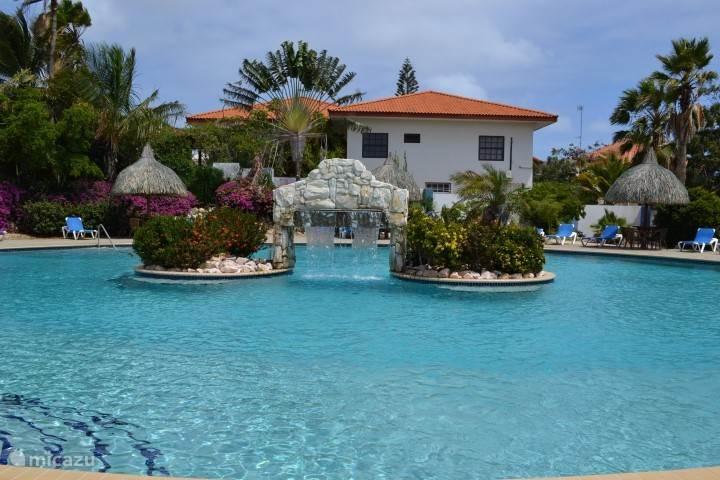 Zwembad Seru Coral Resort