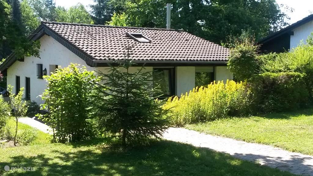 Vakantiehuis Duitsland, Eifel, Lissendorf - bungalow Idyllisch vakantiehuis in de Eifel