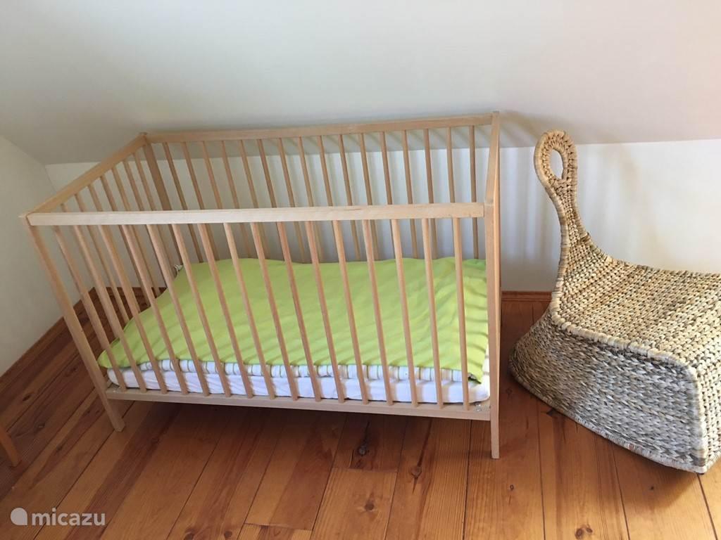 Kinderbed gratis beschikbaar