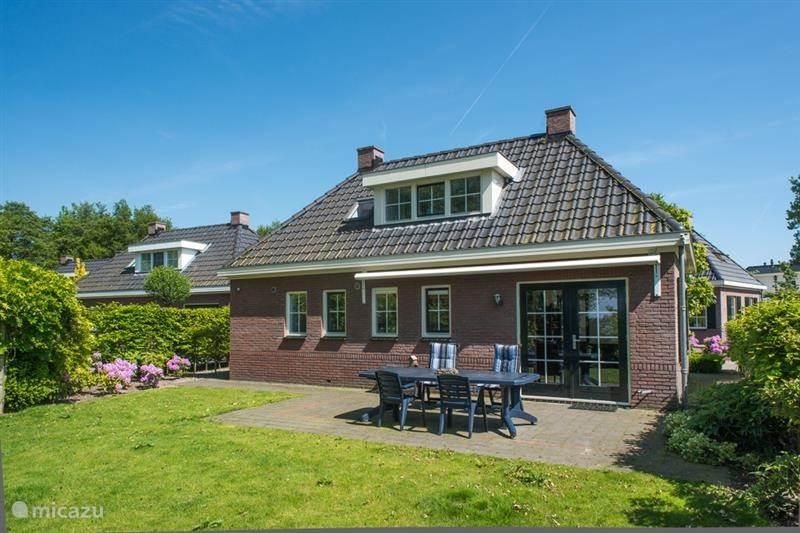 Vacation rental Netherlands, Gelderland, Nunspeet Holiday house luxe vakantiebungalow aan het Veluwemeer