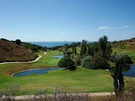 Omgevingsfoto van 1 van de vele golfbanen