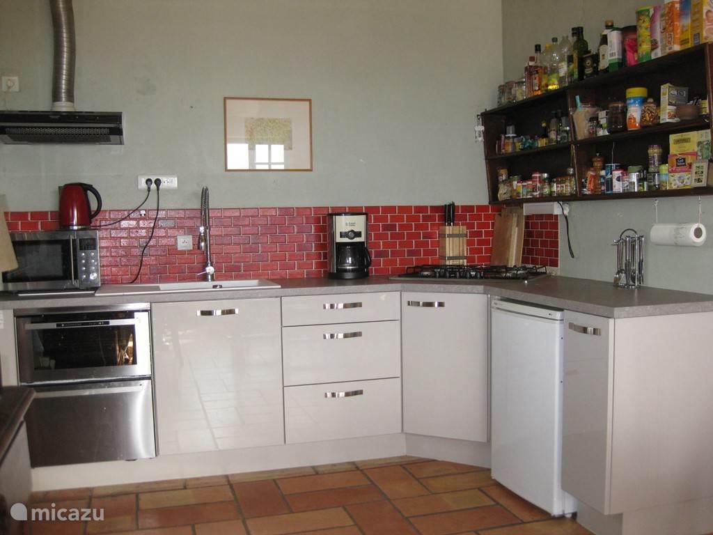 De keuken is in 2015 geheel vernieuwd....