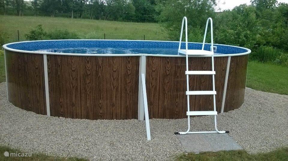 Heerlijk zwembad 5,5 x 4 m in de eigen tuin