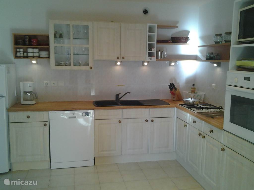 De keuken met alle voorzieningen
