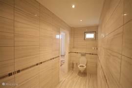 Toilet tweepersoons slaapkamer
