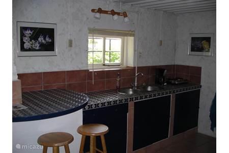 Studio studio r in willemstad curacao midden curacao huren - Bank kitchenette ...