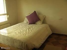 slaapkamer 1: met ruime opbergmogelijkheid en commode