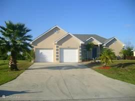 Ons in 2004 gebouwde huis is heerlijk nieuw (ingericht).