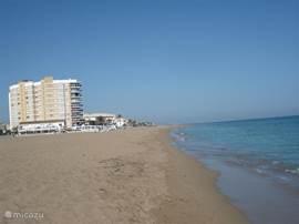 Eindeloze stranden tussen Denia en Oliva.