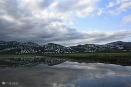 Uitzicht op Monte Pego vanuit het natuurpark El Marjal.