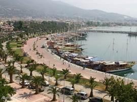 Barinak ligt vlakbij Alanya met haar gezellige boulevard en...