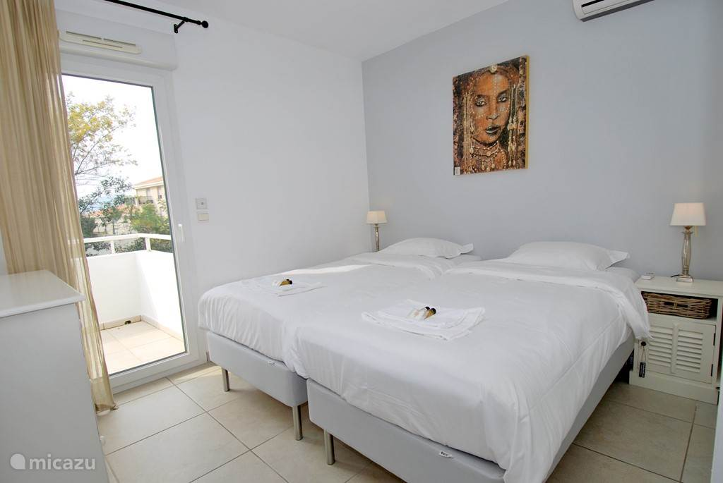 4 bedrooms with double box spring beds, all bedrooms have air conditioning