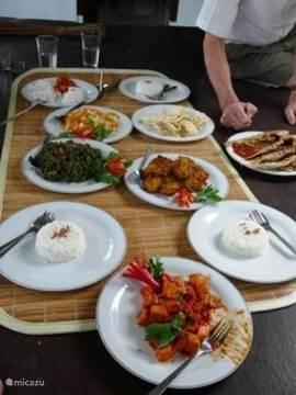 Een maaltijd zoals ons beheerdersechtpaar die kan verzorgen. Ook Europese gerechten mogelijk.