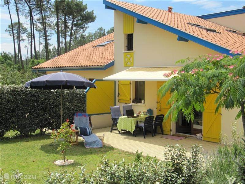 Holiday parks, France, Aquitaine, Saint-Julien-en-Born, terraced house Village Ocelandes