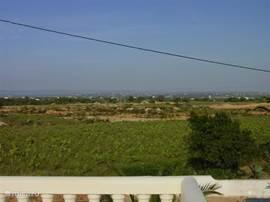 Uitzicht op Albufeira vanaf het dakterras Plezier & Vertier binnen een kwartier.