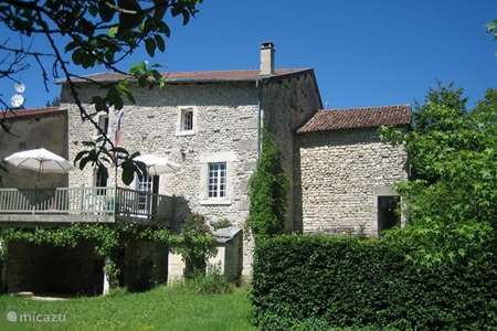 Vacation rental France, Meuse, Lavincourt holiday house Sfeervol familiehuis