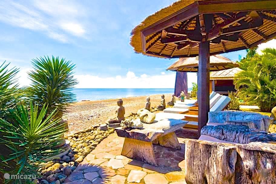 terras aan zee villabuddha