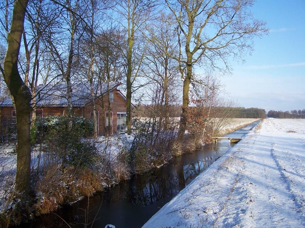 20% korting op weekend/week/midweek in januari en tot 15 februari. Heerlijk huis, pracht uitzicht, lekker warm met vloerverwarming en houtkachel.