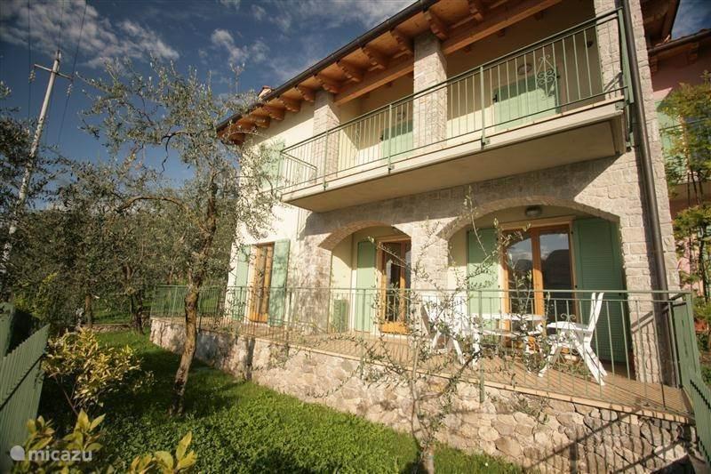 Vacation rental Italy, Lake Garda, Brenzone - apartment Harlekijn
