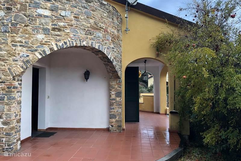 Vakantiehuis Italië, Ligurië, Garlenda Villa La Casa Gialla