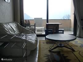 Sitting area + balcony