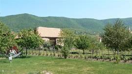 de tuin met uitzicht op het Meczek