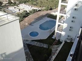 Uitzicht op prive zwembad.