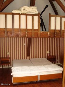 Bedroom with 2-bed. Bed linen available.