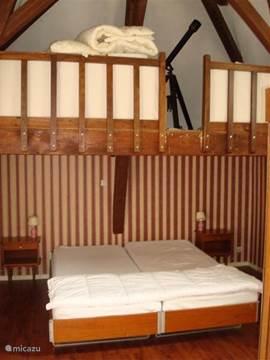 Slaapkamer met een 2-persoonsbed. Bedlinnen aanwezig.