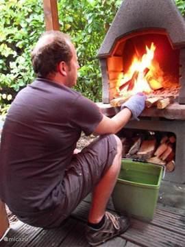 Lekker vuurtje stoken of barbecueën in het prieel.