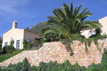 Villa villa helder in tavira algarve portugal huren - Naar beneden meubels huis ter wereld ...