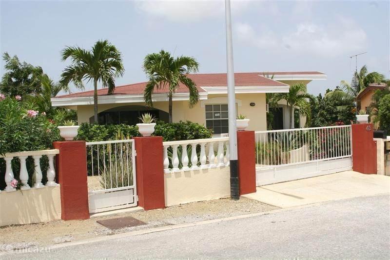 Vakantiehuis Curaçao, Banda Ariba (oost), Montaña Abou Vakantiehuis Sypeakiss 2